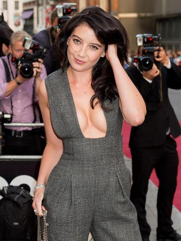 Daisy Lowe height