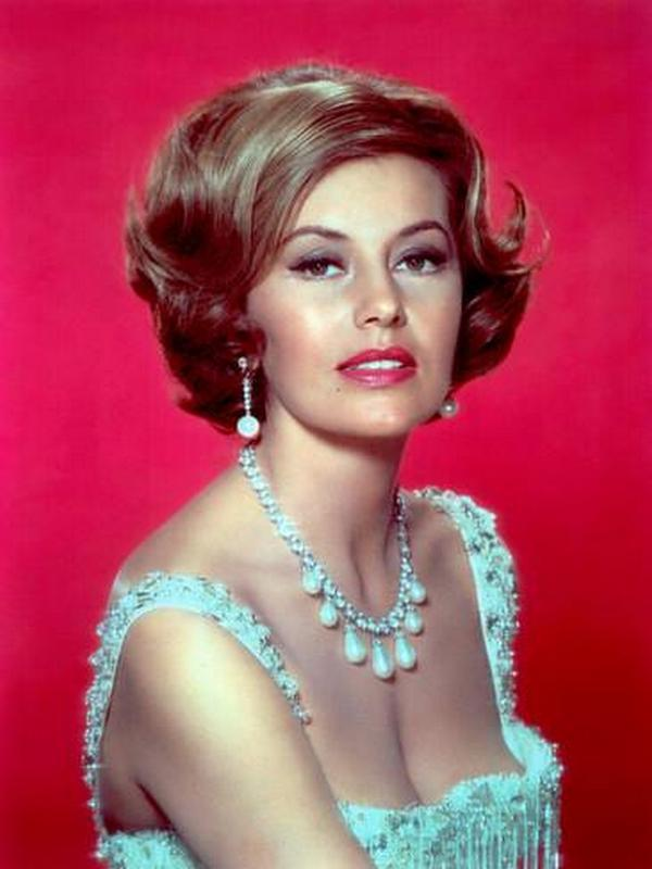 Cyd Charisse height