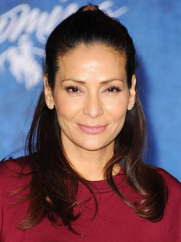 Constance Marie height