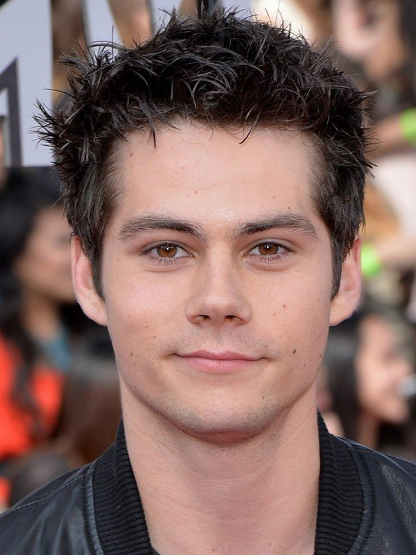 Compare Dylan O'Brien's height, weight, hair, eyes color ...