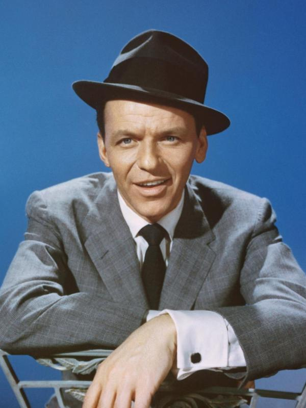 Compare Frank Sinatra's height, weight, eyes, hair color with ...