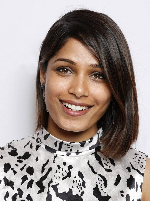 Freida Pinto height