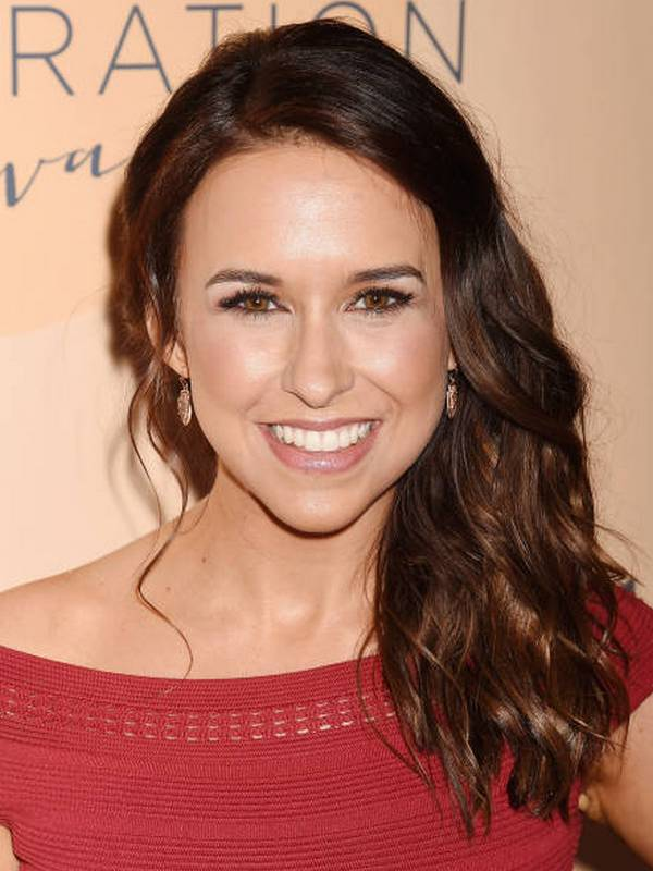 Lacey Chabert height