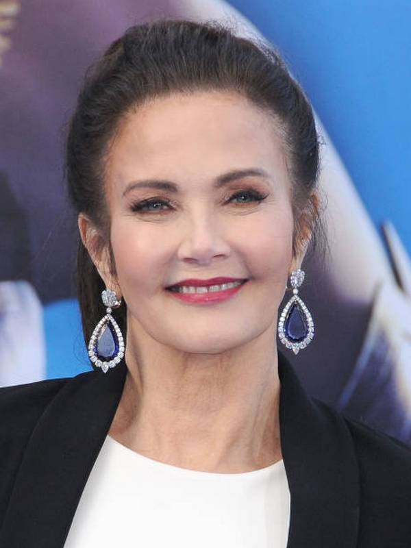 Lynda Carter height