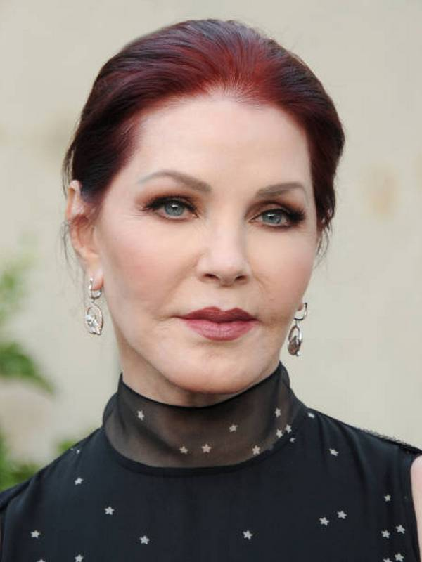 Priscilla Presley height