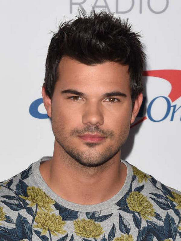 Taylor Lautner height
