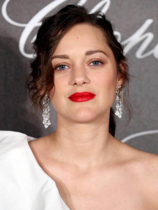 Marion Cotillard height