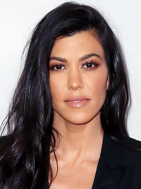 Kourtney Kardashian height