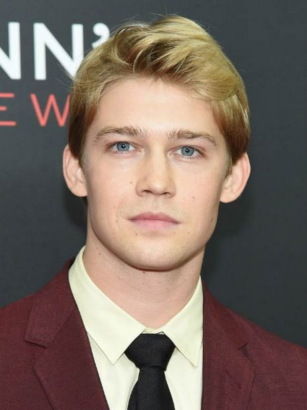 Joe Alwyn height