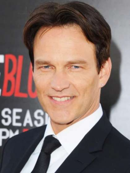 Stephen Moyer height