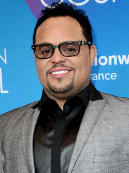 Israel Houghton height