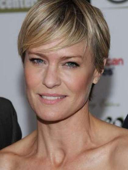 Robin Wright height