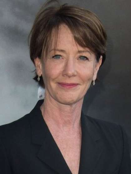 Ann Cusack height