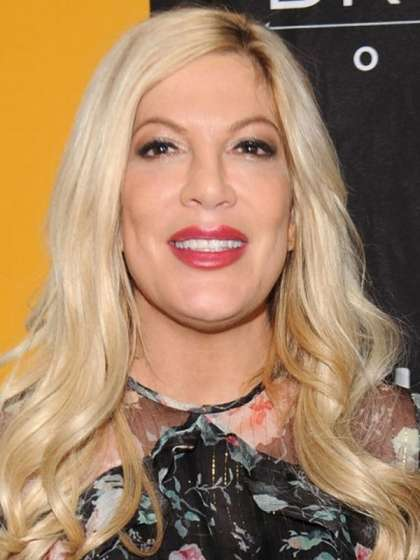 Tori Spelling height
