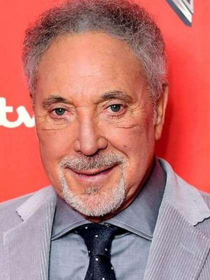 Tom Jones height