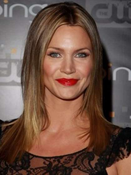 Natasha Henstridge height