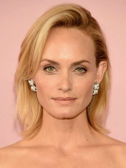 Amber Valletta height