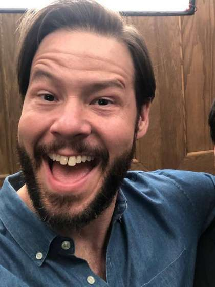 Ike Barinholtz height