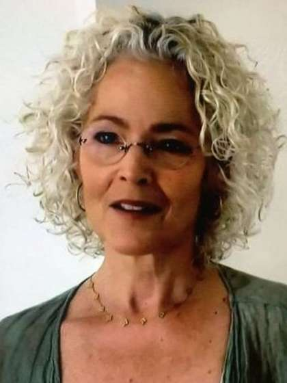 Amy Irving height