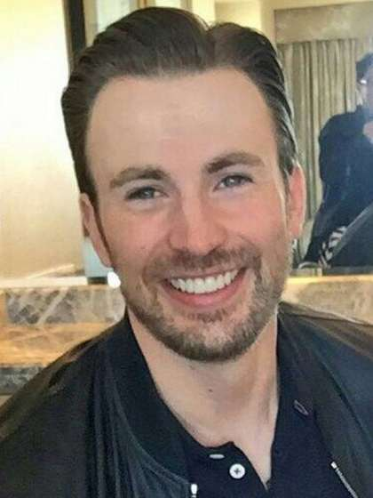 Compare Chris Evans' Height, Weight with Other Celebs