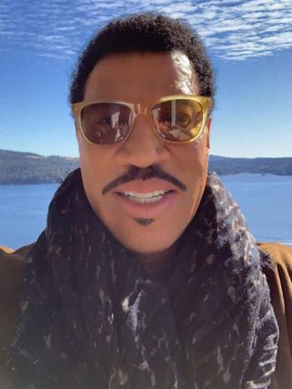 Lionel Richie height