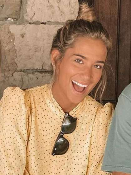 María Pombo height
